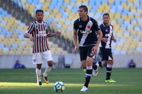 Zagueiro foi um dos destaques da equipe na partida contra o Fluminense (Foto: Paulo Fernandes/Vasco.com.br)