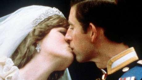 Elton John relembra Princesa Diana, vinte anos após sua morte
