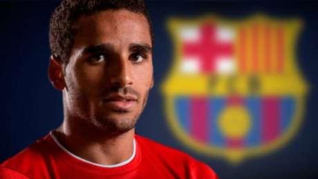 Douglas chegou esta manhã para assinar pelo Benfica
