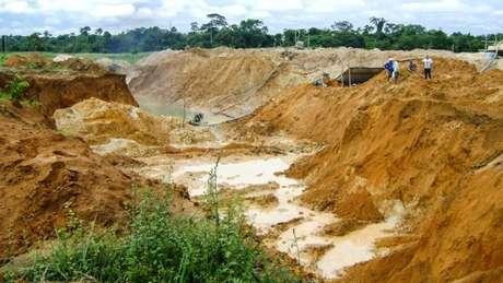 Deputado destaca que regulamentação poderia reduzir conflitos gerados pelo garimpo ilegal