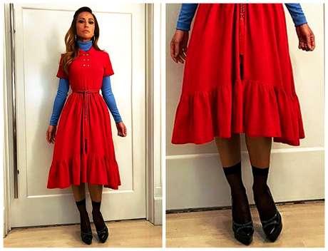 Sabrina compõe o look com escarpim preto e meia curta