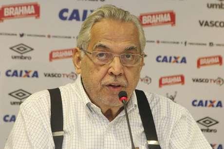 Eurico Miranda emitiu ofícios para a CBF e Ferj por conta da alteração no jogo (Foto: Paulo Fernandes/Vasco.com.br)
