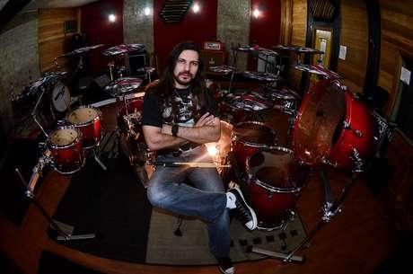 Humberto Zambrin, baterista do AttrachtA