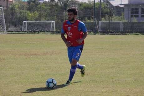 João Paulo elogia atuações do Avaí nas últimas rodadas e demonstra confiança na campanha do time (Foto: André Palma Ribeiro/Divulgação/Avaí)