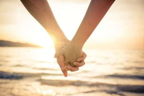 Uma dica para ter um casamento feliz é ser sensível, compreensiva e otimista