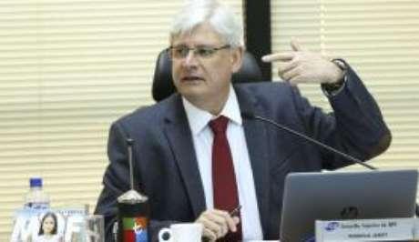 Ex-procurador também quer ser ouvido por Fachin