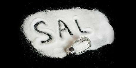 Resultado de imagem para O que acontece quando se ingere muito sal