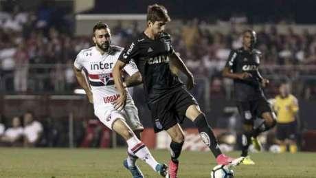 Corinthians decepciona e Ponte sofre na mão do Sport — SUL-AMERICANA