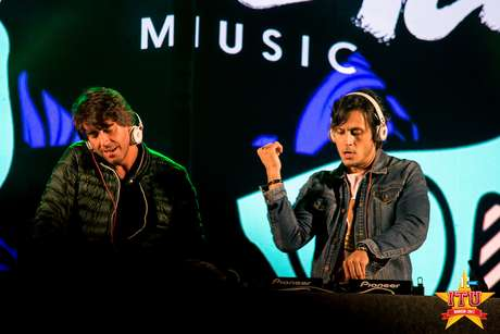 DJs Thiago Mansur e Paulo Velloso
