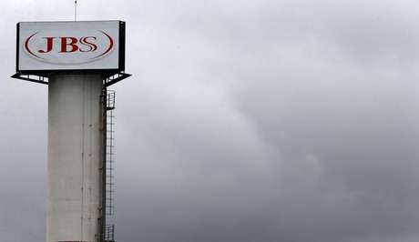 JBS vende participação em frigorífico europeu por R$ 4 bilhões