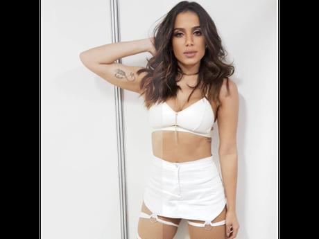 Anitta se torna brasileira mais seguida no Instagram!