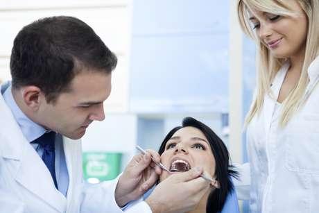 Es recomendable que el dentista conozca la rutina diaria y hábitos alimenticios del paciente