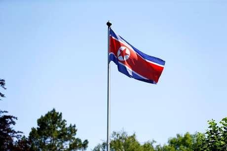 Bandeira da Coreia do Norte, em Genebra, na Suíça 20/06/2017 REUTERS/Pierre Albouy