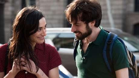 """Comédia romântica """"Noite de Verão em Barcelona"""" é destaque neste sábado, 16"""