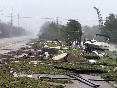 Destruição deixada pela passagem do furacão Irma em Florida Keys