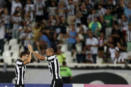 Botafogo e Grêmio começam, nesta quarta-feira, o confronto válido pelas quartas de final da Libertadores