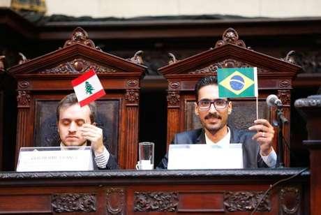 Mohamed Ali Kenawy, imigrante sírio agredido em Copacabana recebe o título de cidadão fluminense, no Palácio Tiradentes, sede da Assembleia Legislativa do Estado do Rio de Janeiro
