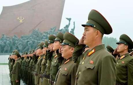 Soldados norte-coreanos, em Pyongyang 09/09/2017 Kyodo/via REUTERS