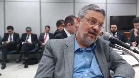 Palocci em depoimento a juiz Sergio Moro, em setembro; o ex-ministro disse Lula e Odebrecht tinham 'pacto de sangue' | Foto: Reprodução/Justiça Federal do Paraná