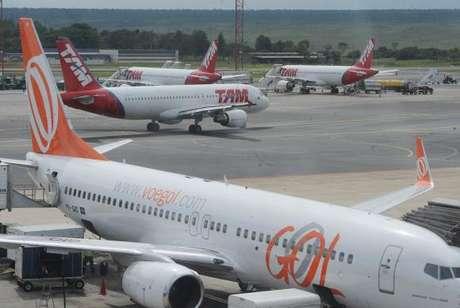 Em julho de 2017, foram transportados 8,3 milhões de passageiros pagos em voos domésticos, o que representou aumento de 3% em relação ao mesmo mês do ano anterior