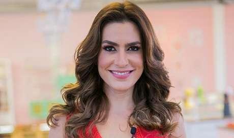 Bela, recatada e na mira das investigações: Ticiana Villas Boas acaba atingida pelas negociatas do marido.