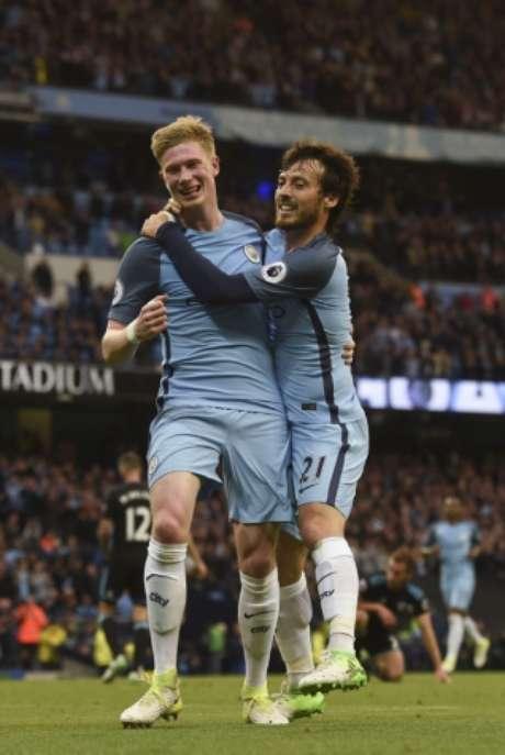Kevin De Bruyne comemorando mais um gol pelo City (Foto: Paul Ellis/AFP)