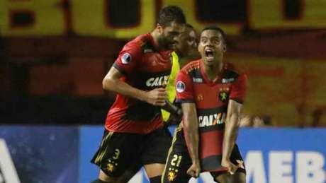 Ponte é dominada e derrotada pelo Sport, pela Sul-Americana - pablokennedy