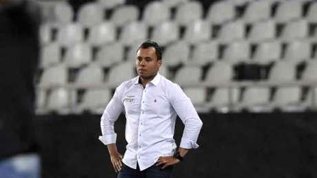 Jair Ventura está há pouco mais de um ano no comando técnico da equipe alvinegra (AFP)