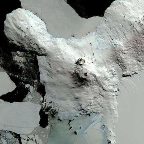 Sinais de vida foram encontrados em cavernas encontradas ao redor de vulcões (Foto: Nasa/GSFC/METI/ERSDAC/JAROS, e U.S./Japan Aster)