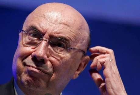 Meirelles afirma que o momento para investir no Brasil é