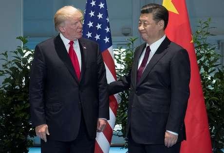 Presidentes dos EUA, Donald Trump, e da China, Xi Jinping, se reúnem em Hamburgo 08/07/2017 REUTERS/Saul Loeb, Pool