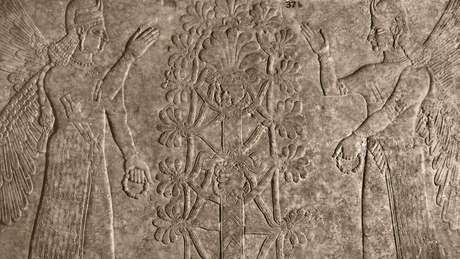 As árvores sempre foram emblemáticas, como nessa gravura antiga de espíritos protetores e a árvore sagrada da vida (Crédito: Heritage Image Partnership Ltd/Alamy