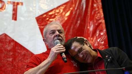 O ex-presidente Lula e Luiz Marinho durante o evento de posse de Marinho na presidência estadual do PT