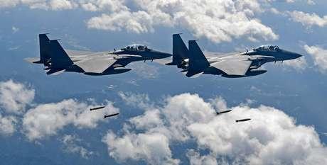 Coreia do Sul e Estados Unidos realizam exercícios militares perto da fronteira com a Coreia do Norte