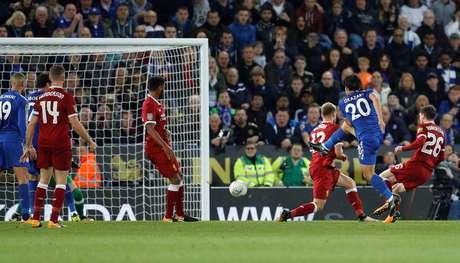 Leicester vence, elimina o Liverpool e avança na Copa da Liga