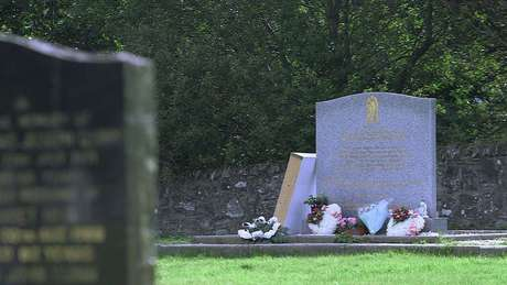 Memorial no cemitério