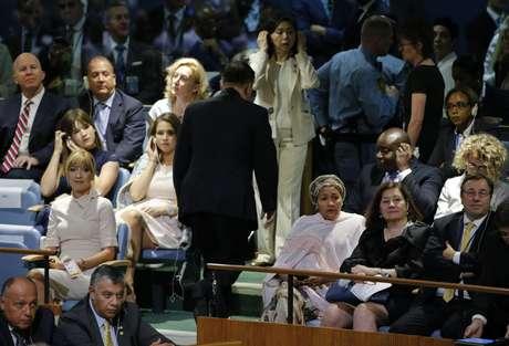 Ja Song Nam, embaixador da Coreia do Norte na Assembleia da ONU, levantou-se e deixou a sessão quando Trump fez críticas e ameaçou destruir o país.