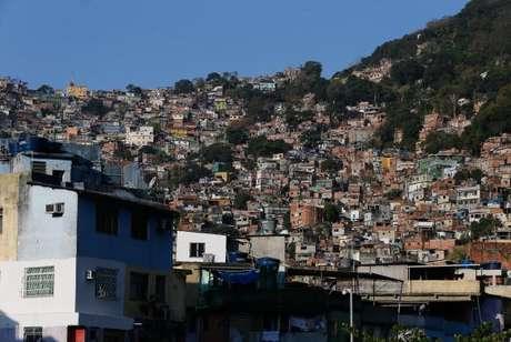Polícia Militar faz operações no Turano e na Rocinha nesta segunda