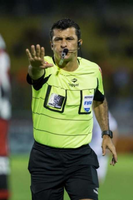 Sandro Meira Ricci apitará Chile x Equador (Foto: Celso Pupo/Fotoarena/Lancepress!)