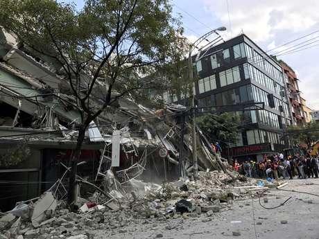 Vista aérea revela danos do terremoto que matou 273 pessoas no México