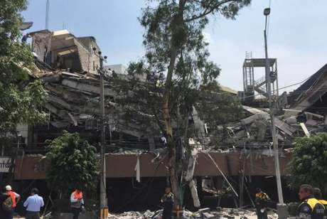 Cidade do México - Vista de um edifício destruído durante terremoto que atingiu o México
