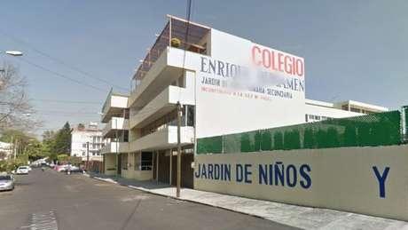 Fachada da escola Enrique Rébsamen antes do terremoto.