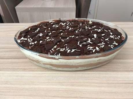 Pavê misto de chocolate com biscoito