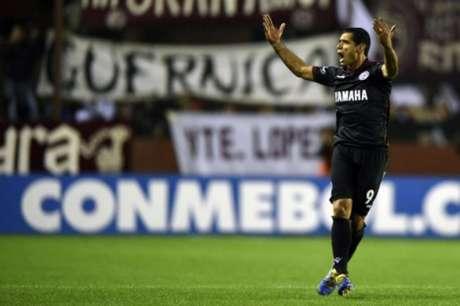 Lanús supera o San Lorenzo nos pênaltis e garante vaga na semifinal da Libertadores (Foto: AFP)