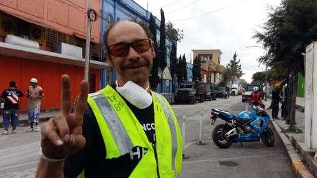 Javier Serrano Olivera diz ter renascido após ser resgatado dos escombros após tremor da última terça-feira | Crédito: Alberto Nájar/BBC