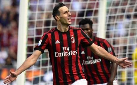 André Silva marca na vitória do Milan