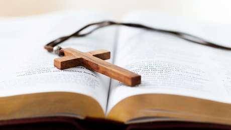 Procuradoria-geral da República diz que permissão de ensino religioso deve ser mais restrita, para evitar favorecimento de religiões mais poderosas