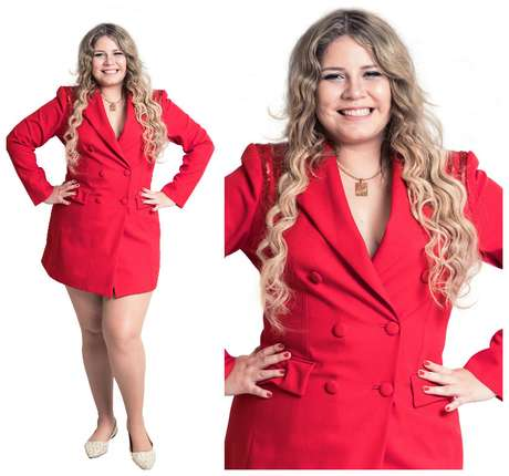 Marília Mendonça com vestido tipo paletó