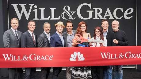 Executivos da NBC, criadores da série e o elenco principal