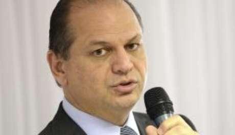 O ministro da Saúde, Ricardo Barros, anuncia expansão do tratamento contra Aids (Arquivo/Agência Brasil)